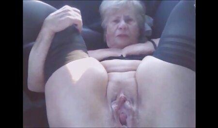 Monica Sage nue dans film francais porno streaming le casting et se rend au flic au lit.