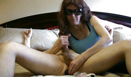 Maman rouge vagin plein de vêtements masturbation avec des jouets film français pornographique gratuit