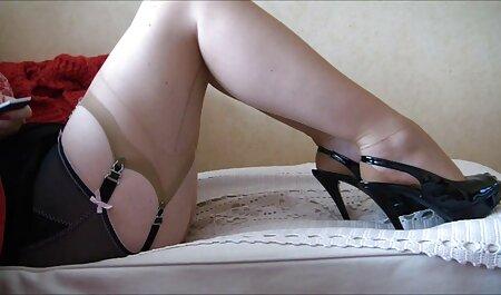 Davalka avec des cuisses larges avec des jouets sexuels avant l'arrivée de film film porno français l'homme.