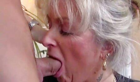 Les filles avec de gros film erotique amateur francais seins faire du yoga nu