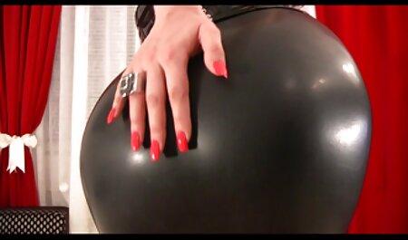 Beauté équitation membres de bien-aimé barbu film porno francais streaming complet sur le canapé
