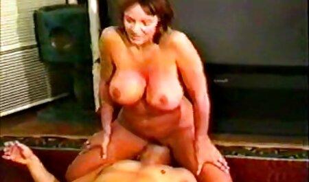 Cochonne video porno amateur français gratuit avec un gros cul Solo pour la caméra