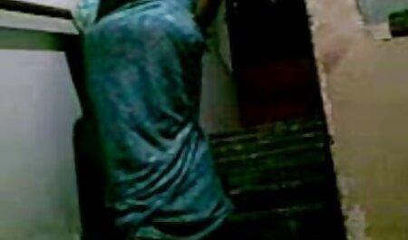 Hahal coincé sa bite dans son cul extrait video sexe amateur gratuit maman avec du pain