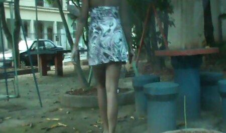 Une fille pour caresser film xxl francais gratuit le corps en cours de yoga.