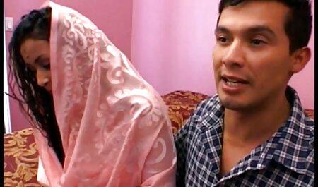 Homme blanc frit une femme noire en robe porno francais free de fleurs et sa petite amie.