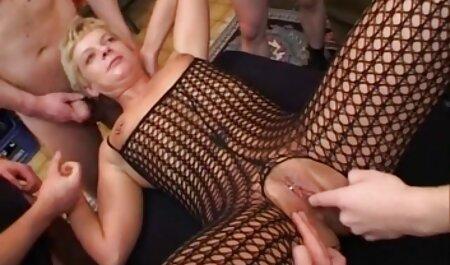 La caméra filme une masturbation brune tukif film porno francais à bout portant.