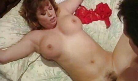 La jeune beauté a léché le video gay gratuite en francais point d'un ami et a révélé les pédés qui ont besoin de baiser.
