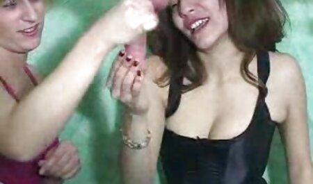 L'homme baise la extrait x gratuit en français femme dans le vagin et prend tout de près.
