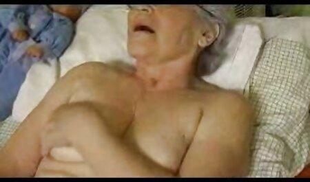 Les femmes avaler la video porno streaming francais bite amateurs dans la cuisine.