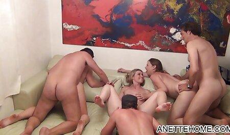 Minx fait un massage de la poitrine et des crèmes porno en vf après les rapports sexuels.