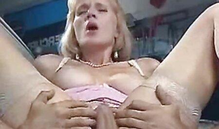 Casual bite cheveux verts, Gode rempli de vagin. film porno français entier