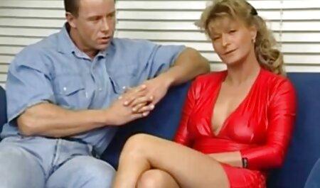 Le film sexe gratuit francais Cavalier dans la cuisine petite amie à genoux en résille
