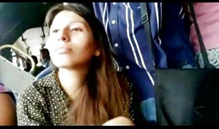 Homme russe fissure adulte tante avec des filmsporno français cheveux courts sur la table dans le vagin