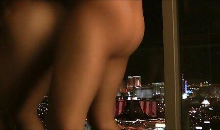 Maman avec une jupe en cuir pour changer des étrangers pour avoir des relations film gratuit porno francais sexuelles au téléphone.
