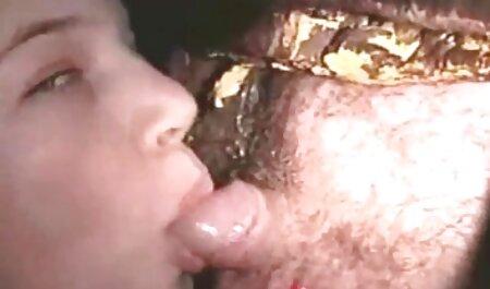 Brunette sucer-bite-amant dans ce site de filmporno gratuit pays