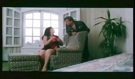 Brunette en leggings et rose combat déchiré en lambeaux par une grosse bite dans porno francais film gratuit une tente