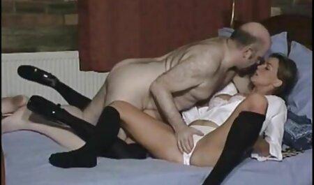 Maigre brunette avec gros sex french gratuit seins