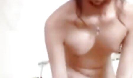 Poilu asiatique en bas révèle un deuxième trou profond porn gratuit en francais dans adolescent pénis