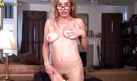 Jeune Latina posant à l'extérieur et baise à la film porno francais complet hd maison