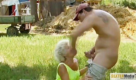 Dana Vespoli en soutien-gorge joue falo comme un anal et du visage. film x français cougar