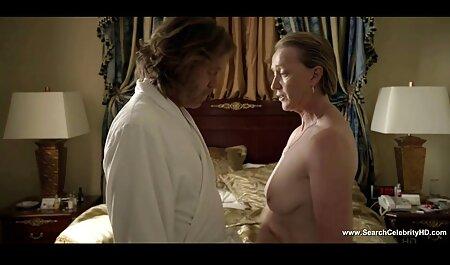 L'entraîneur baisé une danseuse dans film porno francais streaming free le cul avec la grosse sangle.