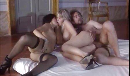 Les jeunes femmes film porno francais free aux gros seins, donnent les mains à un amant dans ce trou.