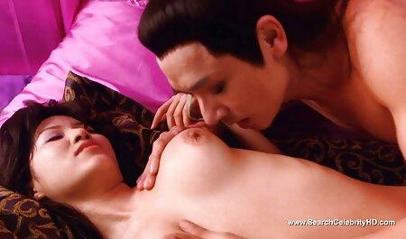 Maîtresse lèche la chatte et le cul d'une femme dans la chambre cherche film porno gratuit à coucher