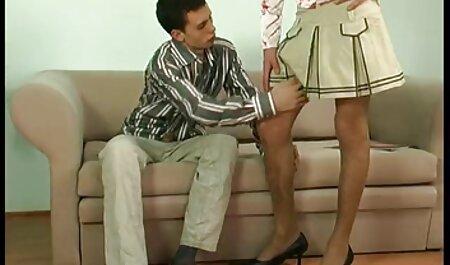 Sexy Morgan Lee donne un homme un travail de coup et les fait tourner film x francais gratuit dans le visage.
