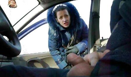 La femme aux gros video film porno francais seins se fera baiser dans le vagin en tirant des collants pour les filles.