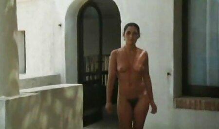 Femme avec des bottes et des film pornographique gratuit français jupes sur stratifié et vaginadrait