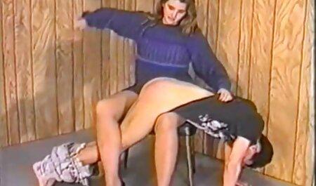 Busty mère montrant le corps film x gratuit allemand sur webcam
