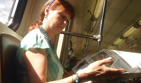 La Rousse montre son film gratuit en francais porno charme sur webcam.