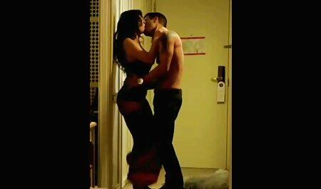 Keisha Grey, coincé sa langue après le sexe anal avec son petit video sexe français streaming ami.