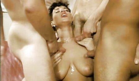 La petite amie de Lovelace s'est donné un film porno francais en hd coup de poing dans l'anus et a laissé le sperme sur son visage.