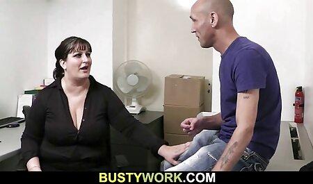 Les trois hommes ont regardé les maigres dans toutes les film porno amateur allemand crevasses.