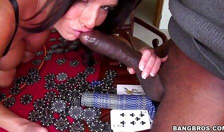 Un film porno francais complet gratuit jeune couple avec une bite obscène dans la chambre d'hôtel.