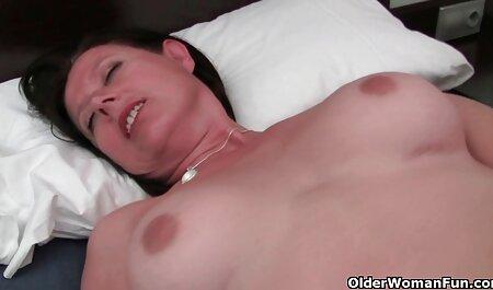 La dame lèche la beauté film porno francais amateur de l'anus et le charmant vagin sur un membre de la