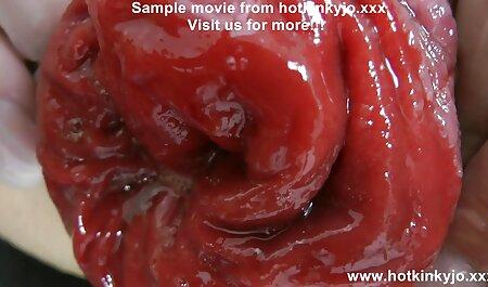 Gros homme à la peau foncée dans le film porn français gratuit vagin.
