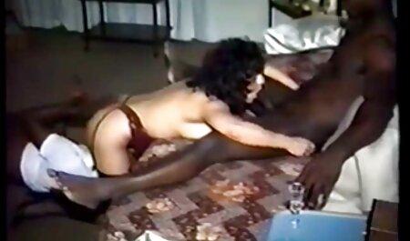 Salope, jolie fille avec de grands yeux suce horny film de sexe en français gratuit partenaire lang dans la chambre à coucher