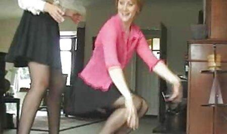 Blonde filme porno complet en francais maigre en chemise-doigts rasés vagin avec gode