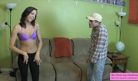 Latina avec gros cul est frotté avec une serviette porno streaming vf après une douche.
