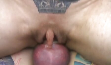 Un homme sombre avec des vis épaisses dans la chatte film porno streaming francais gratuit d'une jeune fille