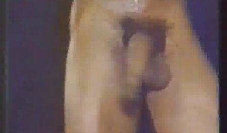 Un homme film de sex gratuit francais avec un gros pénis baisée la jeune beauté
