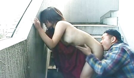 Alina Lee et Tiffany Fox ont des relations sexuelles avec meilleur film porno francais un homme au lit.
