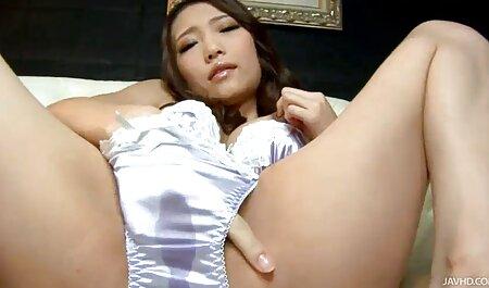 La fille film porno en français gratuit russe après la douche a mis le peigne dans son cul.