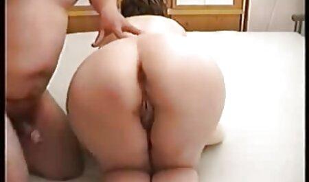 Frank Blonde sur le canapé doigter sa film complet en francais porno gratuit chatte humide