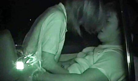 La dame a mis ses mains sur streaming hentai francais le cul d'un homme maigre pour la webcam.