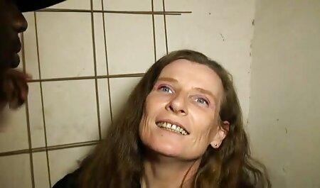 Le gars a mis le cancer dans le casting pornos francais et l'a baisée.