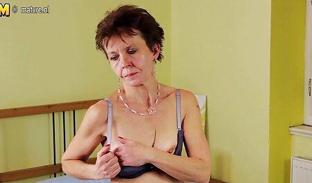 La film porno francais complet gratuit blonde sans culotte sur le côté ressemblait à un gode anal de plusieurs diamètres.