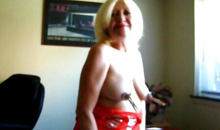 Mère fumeur Chambres stretching elle filme porno francais jambes avec serré sur la double lit